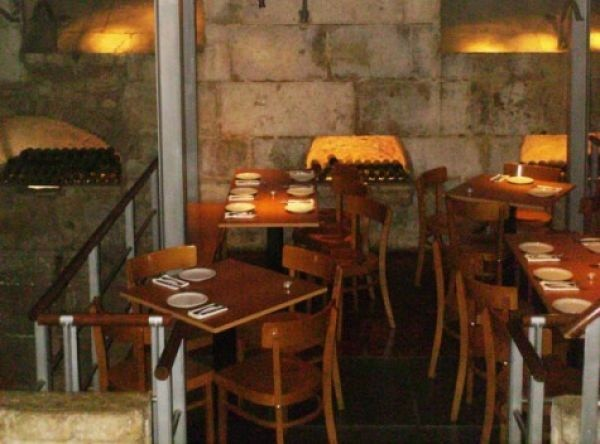 Reisetipps Städtereise Restaurant Chafariz de Mae de Agua Lissabon Portugal Weinbar