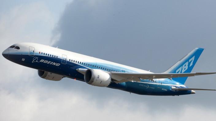 Der Dreamliner von Boeing hebt nach Flugverbot erstmals wieder mit Passagieren zu einem kommerziellen Flug ab