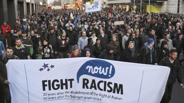 Teilnehmer der 'Revolutionären 1. Mai-Demonstration' in Berlin