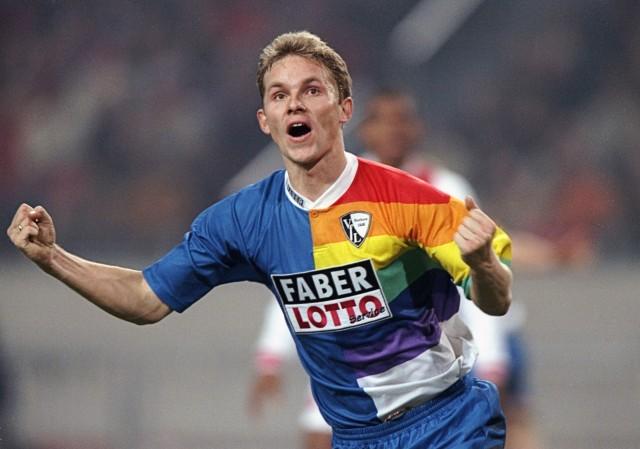 Tomasz Waldoch im Regenbogen-Trikot des VfL Bochum.