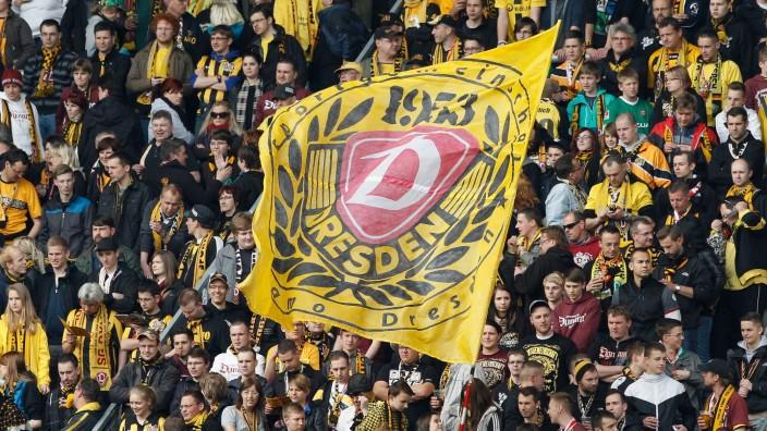 Dynamo Dresden v SC Paderborn - 2. Bundesliga
