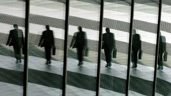 Die Verschärfung des Aktienrechts zur Begrenzung von Managergehältern ist Augenwischerei