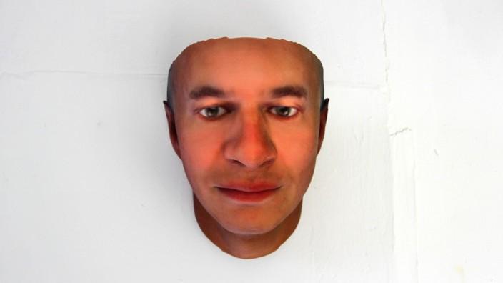Heather Dewey-Hagborg Stranger Visions Maske DNA