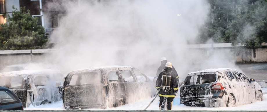 Clear-up after youth riots in Stockholm