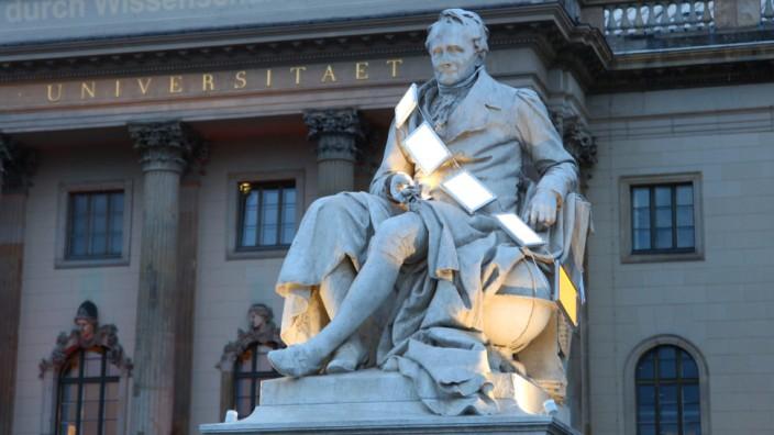 Humboldt-Universität - Denkmal für Alexander von Humboldt