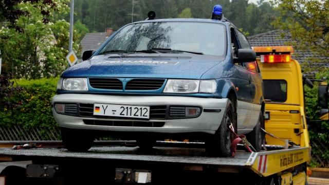 Der blaue Mitsubishi des Verdächtigen.