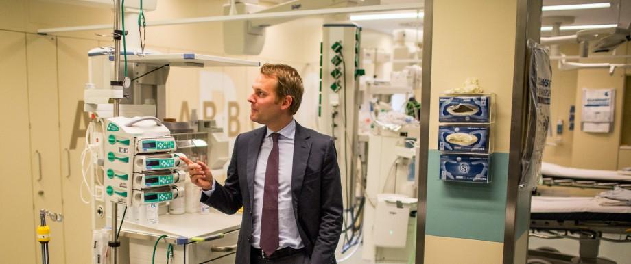 Gesundheitsminister Daniel Bahr, FDP in der Rettungsstelle Berlin-Marzahn