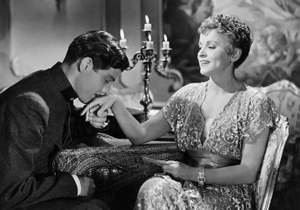 """Luise Ullrich und Paul Hubschmid in """"Der Fall Rainer"""" Film 1942 Handkuss"""