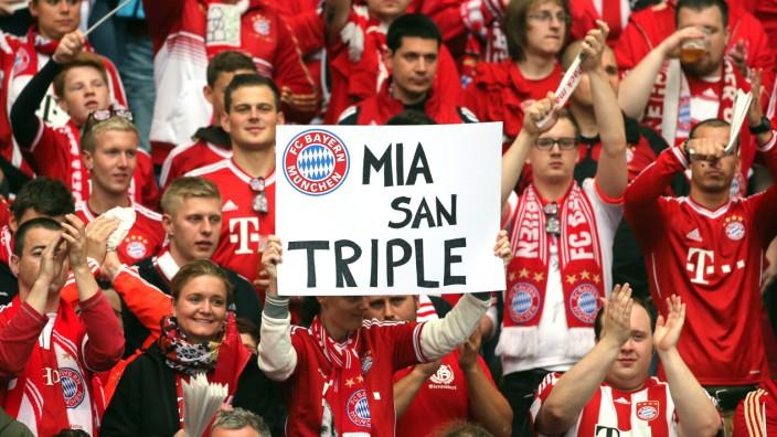 Marienplatz Fans Feiern Double Gewinn Des Fc Bayern Das