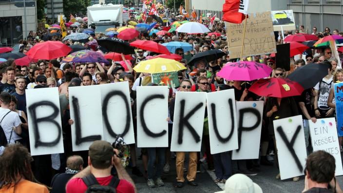 Occupy-Bewegung demonstriert gegen Polizeikessel