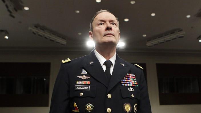 NSA Keith Alexander Prism Internet-Überwachung