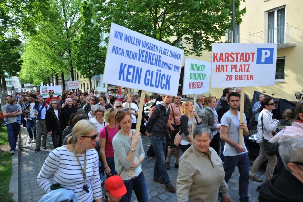 Proteste gegen Anwohnertiefgarage am Münchner Josephsplatz, 2013