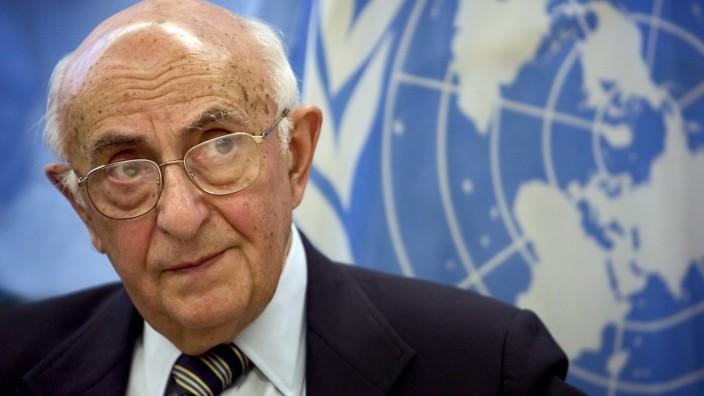 Richter Frederik Harhoff erhebt gegen seinen Kollegen  Theodor Meron am UN-Kriegsverbrechertribunal schwere Vorwürfe