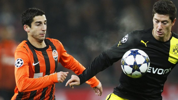Borussia Dortmund in talks to sign Shakhtar's Henrikh Mkhitaryan