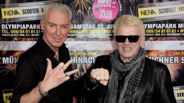 H.P. Baxxter und Heino bei einer Pressekonferenz zum Münchner Sommernachtstraum 2013.
