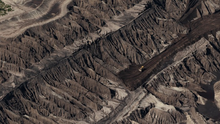 From Moonscape To Lake District: East Germany's Coal Mines