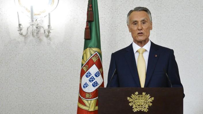 Koalitionskrise in Portugal: Lissabon: Portugals Präsident Anibal Cavaco Silva bestätigt die Regierung im Amt