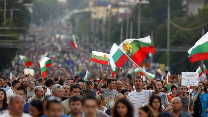 Bulgarische Bürger demonstrieren im Zentrum der Hauptstadt Sofia.