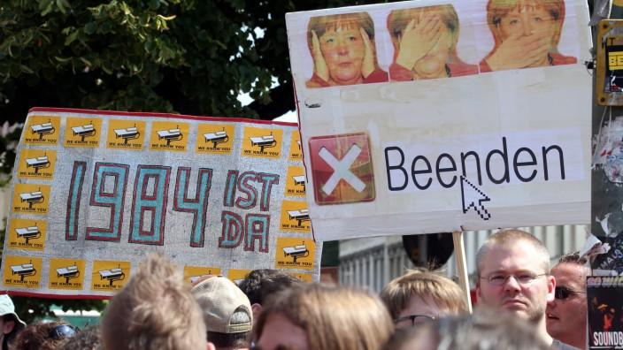 Protest gegen Abhörmaßnahmen und Überwachung - Berlin