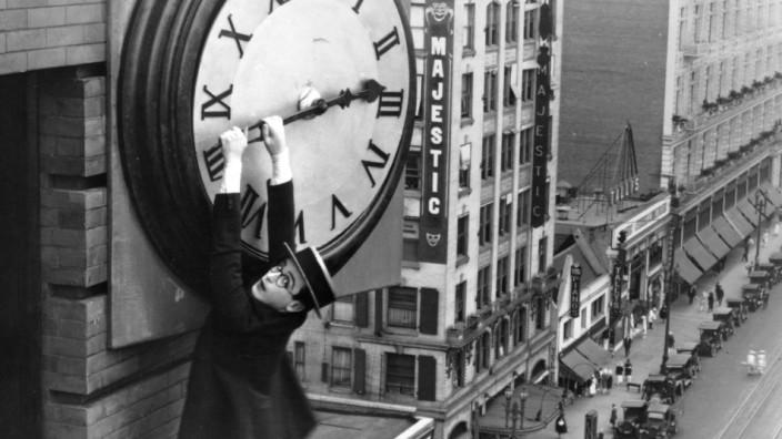 Szenenfoto Safety Last, 1923