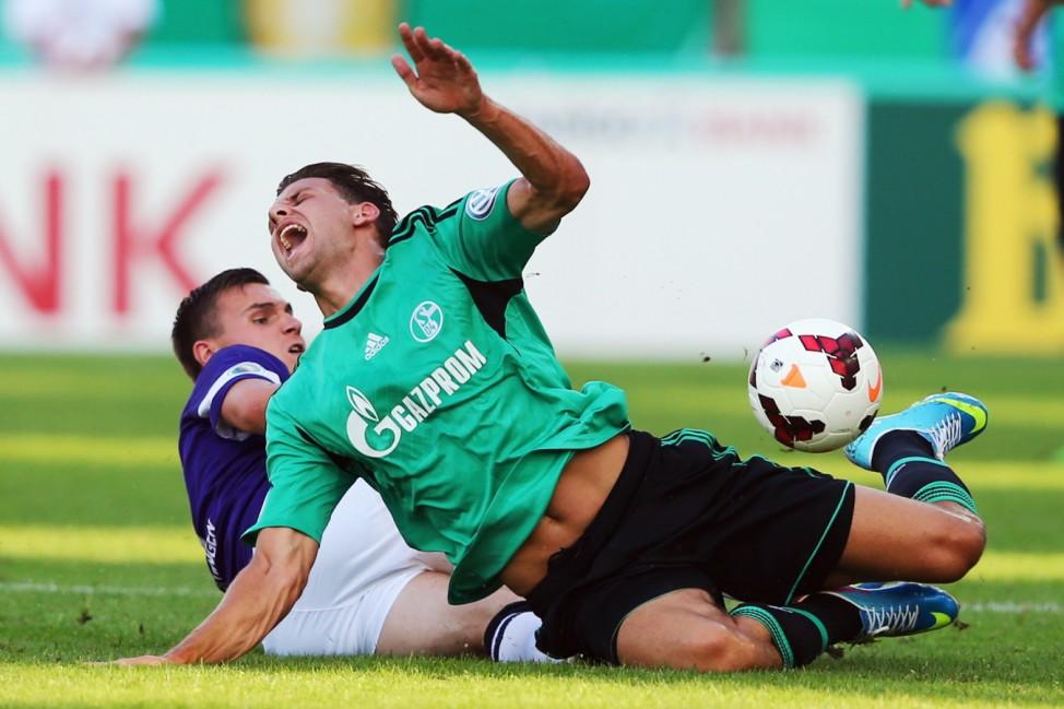 FC Noettingen v Schalke 04 - DFB Cup