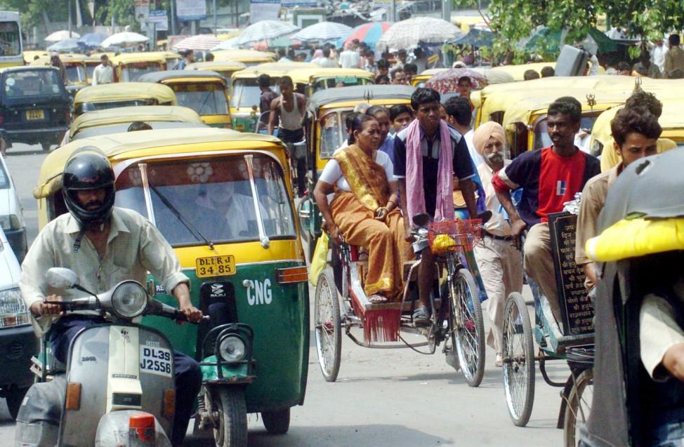 Straßenverkehr Indien Neu-Delhi