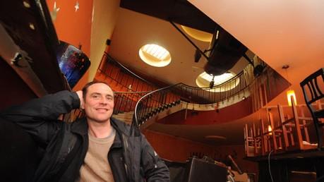 """Harry Klein: """"Die Treppe passt nicht zu uns"""": David Süß in seinem neuen Club."""