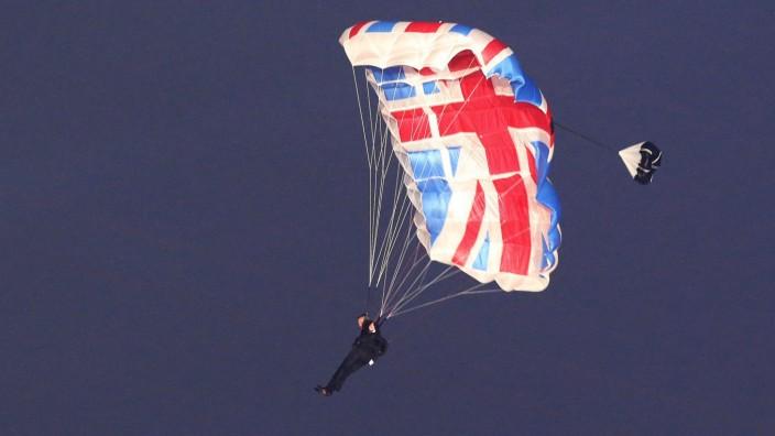 Mark Sutton, Double für James Bond - Eröffnung der Olympiade