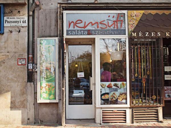 Budapest Städtereise Städtetipps Spotted by Locals Budapest Ungarn Nemsüti Restaurant Café Bar
