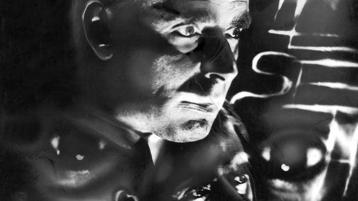 Erik Jan Hanussen, 1930