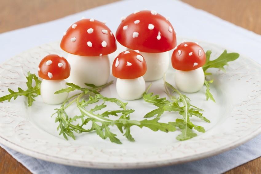 Tomato and egg fly agaric mushrooms; Fliegenpilz Tomate Fliegenpilztomate
