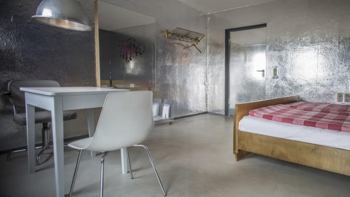 Blick in ein Zimmer des Grandhotel Cosmopolis.