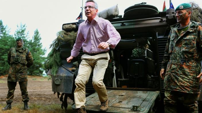 Verteidigungsminister bei Panzergrenadieren