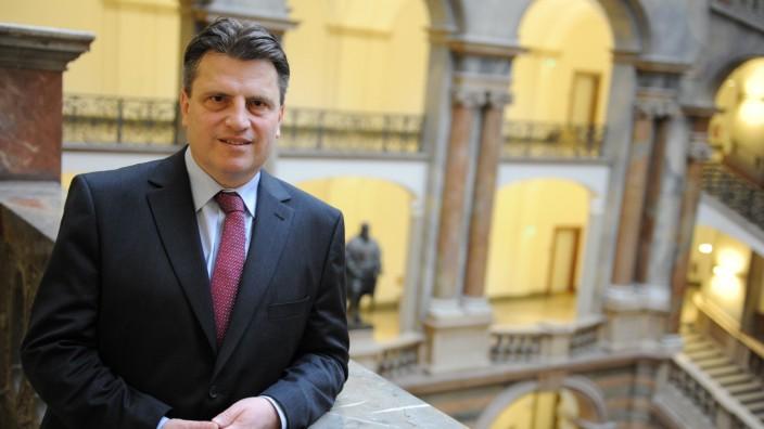 Bayerns neuer Justizminister: Der neue Minister Winfried Bausback im Justizministerium.