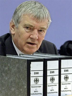 Otto Schily im Bundestag; AP