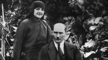Mustafa Kemal Atatürk und seine Frau Latife