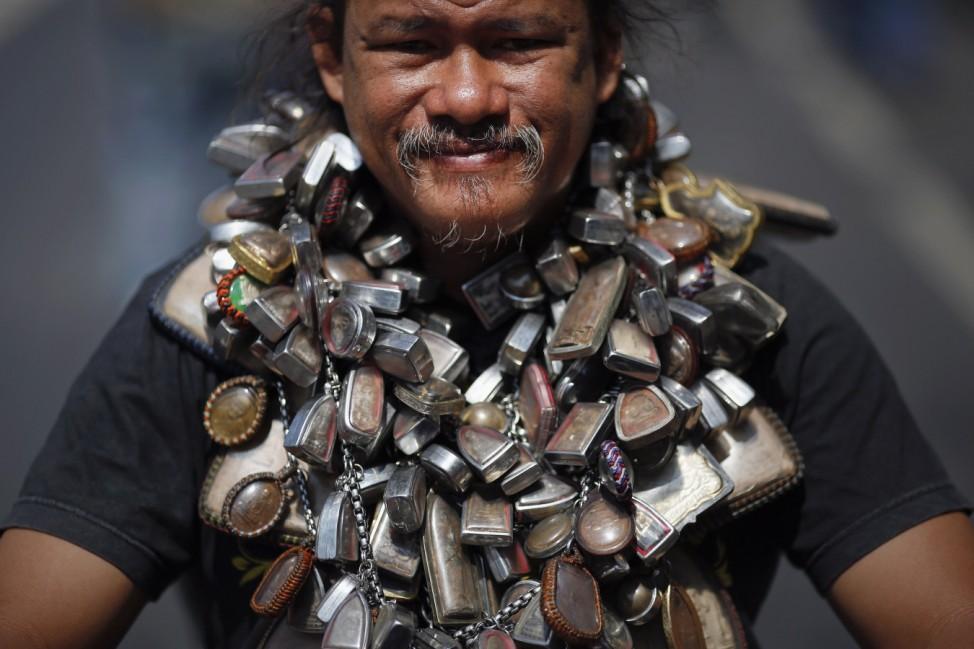 Kette Amulette Demonstration Bangkok Thailand