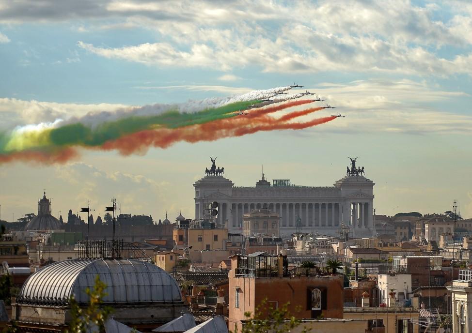 Italien Rom Feiertag Streitkräfte Luftwaffe