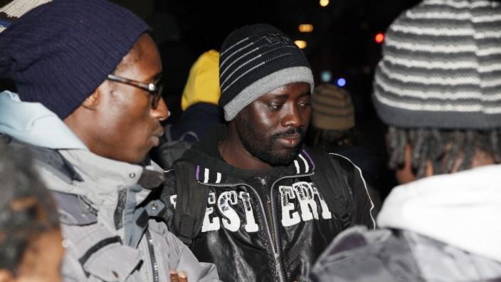 Protest vor Sozialministerium: Protestieren seit Donnerstag vor dem Sozialministerium: Sechs Asylbewerber aus dem Senegal.