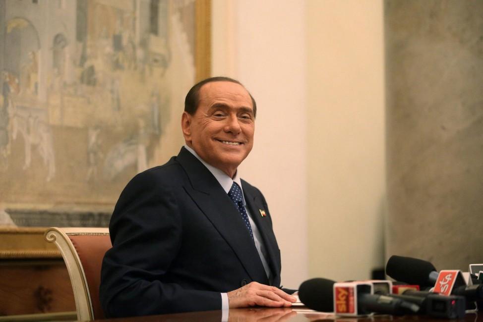 Berlusconi Fettnäpfchen