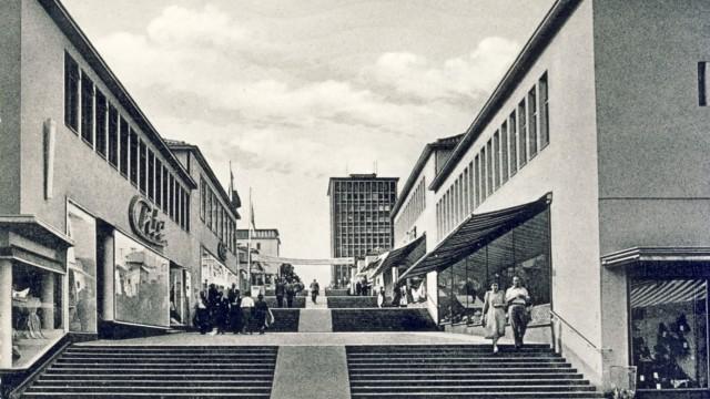 Jubiläum der Fußgängerzone: Die Treppenstraße in Kassel - bei ihrer Eröffnung vor 60 Jahren.