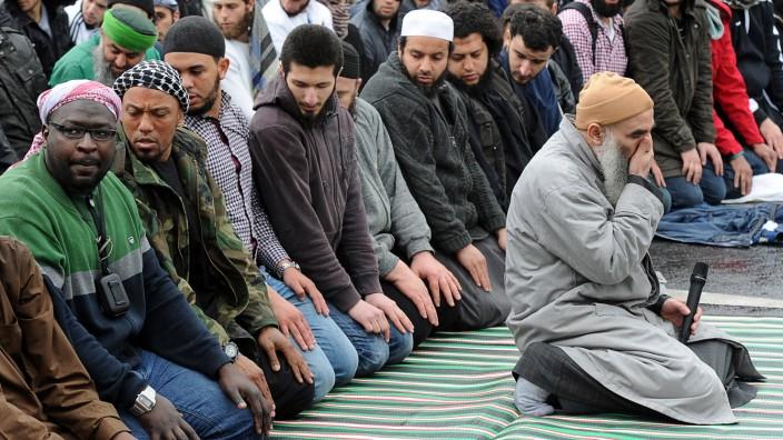 Islamist Denis Cuspert, einst als Rapper Deso Dogg bekannt, soll womöglich einen Selbstmordanschlag in der Türkei planen.