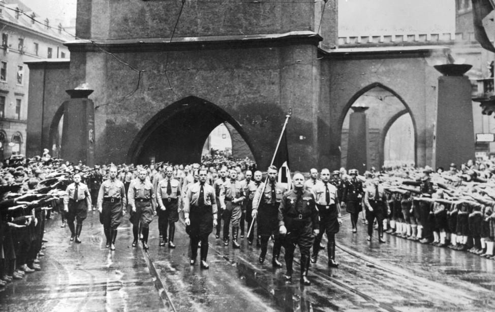 Marsch in Erinnerung an den Hitler-Putsch, 9. November 1938 Pogromnacht
