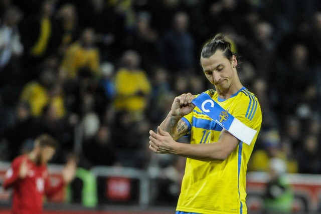 Sweden's Ibrahimovic takes off armband after losing World Cup qualifying match to Portugal in Stockholm