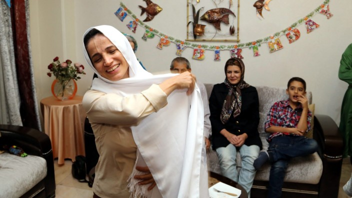 Iran frees prominent human rights activist Nasrin Sotoudeh