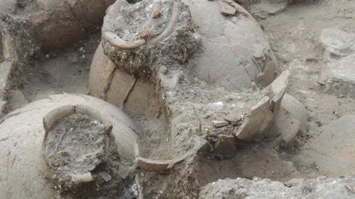 3700 Jahre alte Weinkrüge