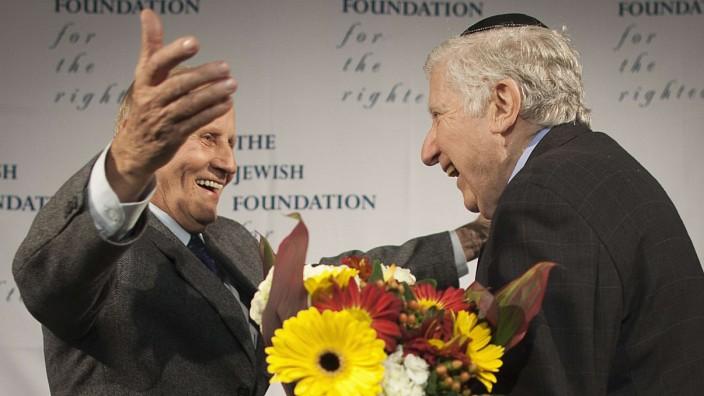 Holocaust Überlender Leon Gersten mit Czelaw Polziec in New York