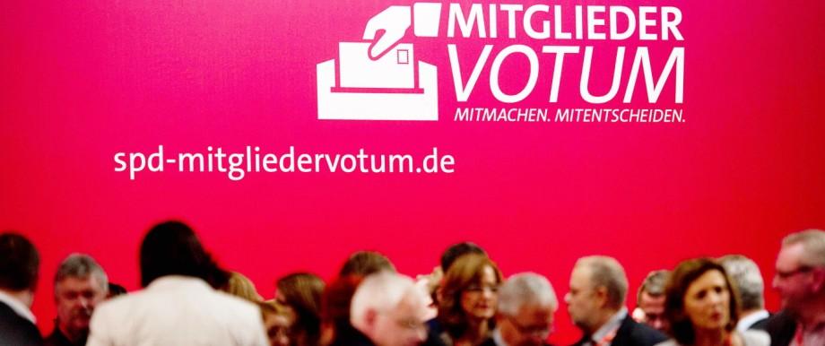 Mitgliederentscheid der SPD: Die SPD wirbt um die Zustimmung ihrer Mitglieder zum Koalitionsvertrag (Archivbild vom Parteitag in Leipzig vor zwei Wochen)