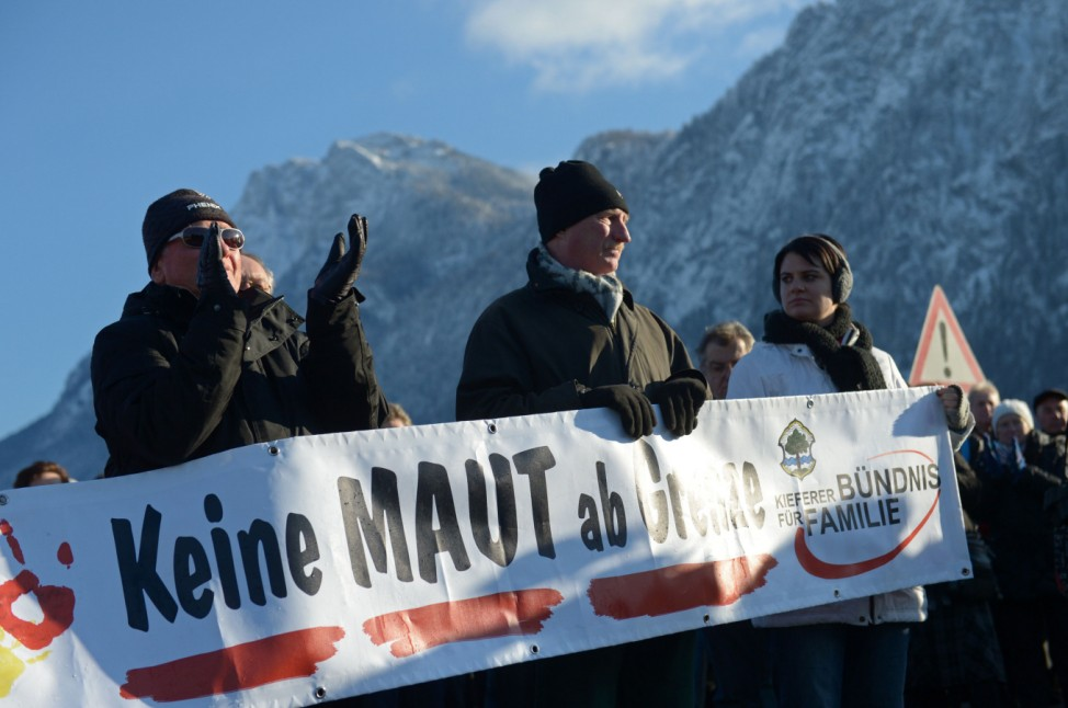 Protest gegen die Mautpflicht: Demonstranten auf der Tiroler Inntalautobahn am Sonntagmorgen.