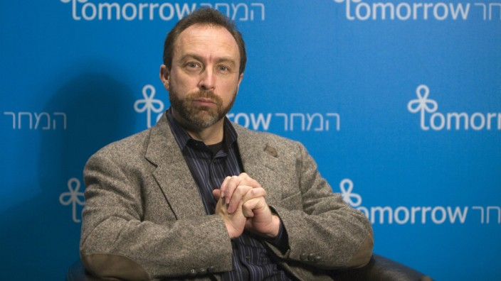 Jimmy Wales, founder of the user-edited Wikipedia, pauses during an interview with Reuters in Jerusalem